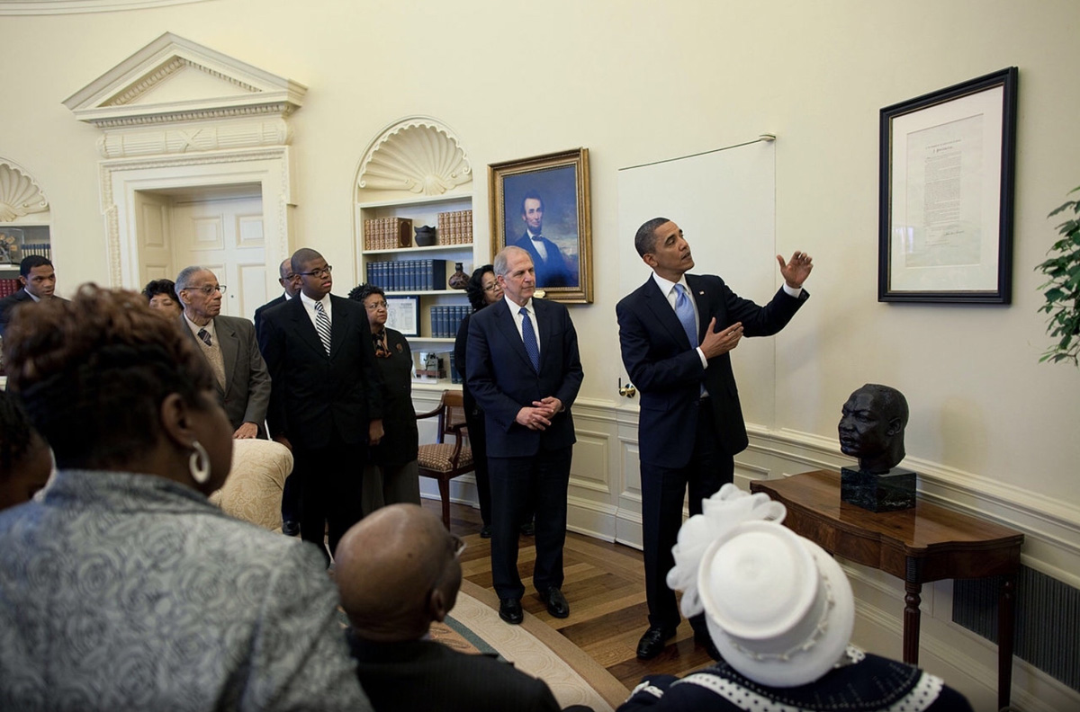 President Obama with the Emancipation Proclamation